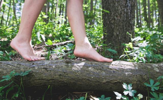 Chodzenie boso jako najbardziej skuteczne lekarstwo Ziemianina 1